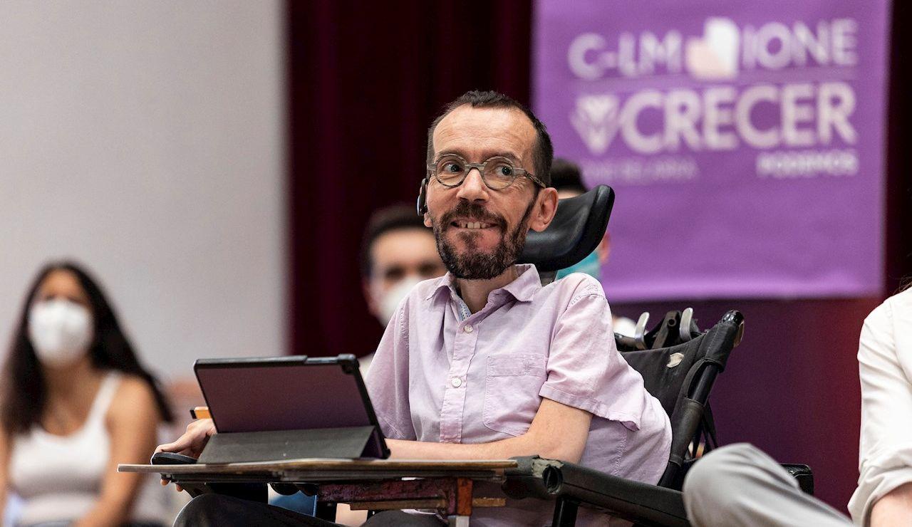 El portavoz del grupo parlamentario Podemos, Pablo Echenique, ha participado esta tarde en Toledo en un encuentro de apoyo a la candidatura liderada por Ione Belarra a la Secretaría General de Podemos