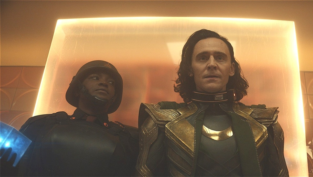 Wunmi Mosaku y Tom Hiddleston en 'Loki'