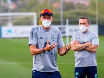 Luis Enrique llama a Kepa para unirse a la burbuja paralela de la selección española