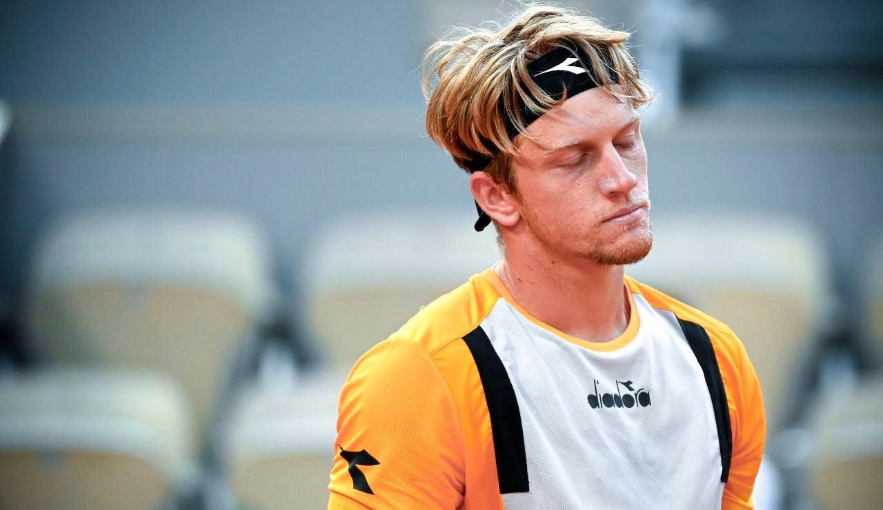 Alejandro Davidovich se desfonda ante Zverev y cae eliminado en cuartos de Roland Garros
