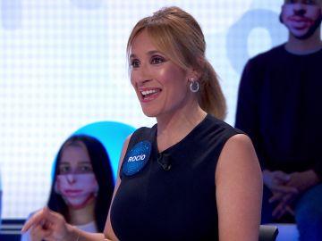 Rocío Martínez cumple con el encargo de su madre y pone tarea a todos sus compañeros en 'Pasapalabra'