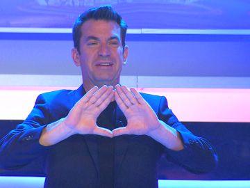 Arturo Valls se estrena como hipnotizador en '¡Ahora caigo!'