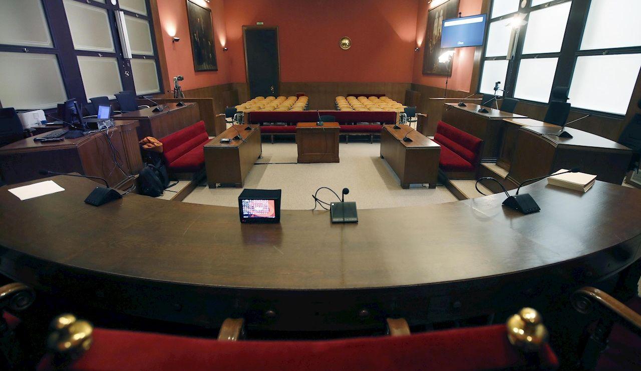 Imagen de una sala de vistas del Tribunal Superior de Justicia de Cataluña