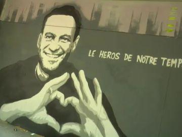 """""""Héroe de nuestro tiempo"""": El grafiti sobre Navalny con el que Ginebra ha recibido a Putin"""