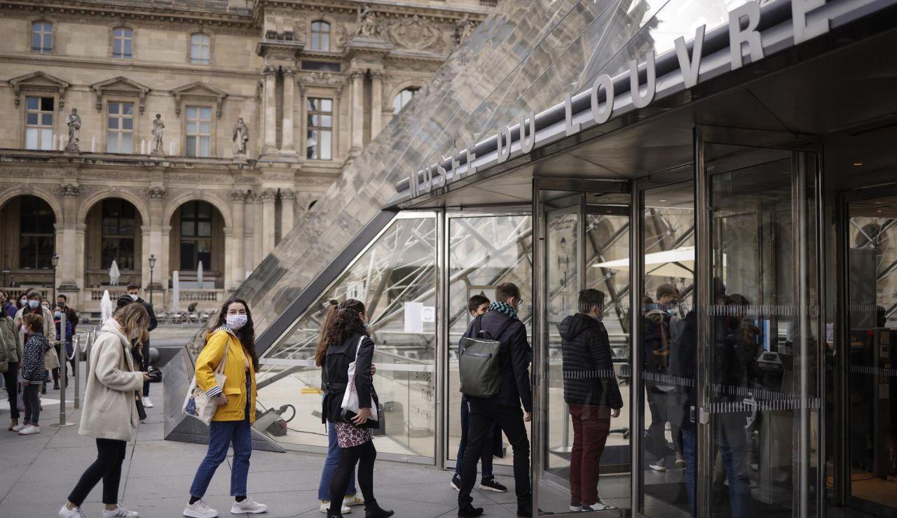París, fin toque de queda y mascarillas