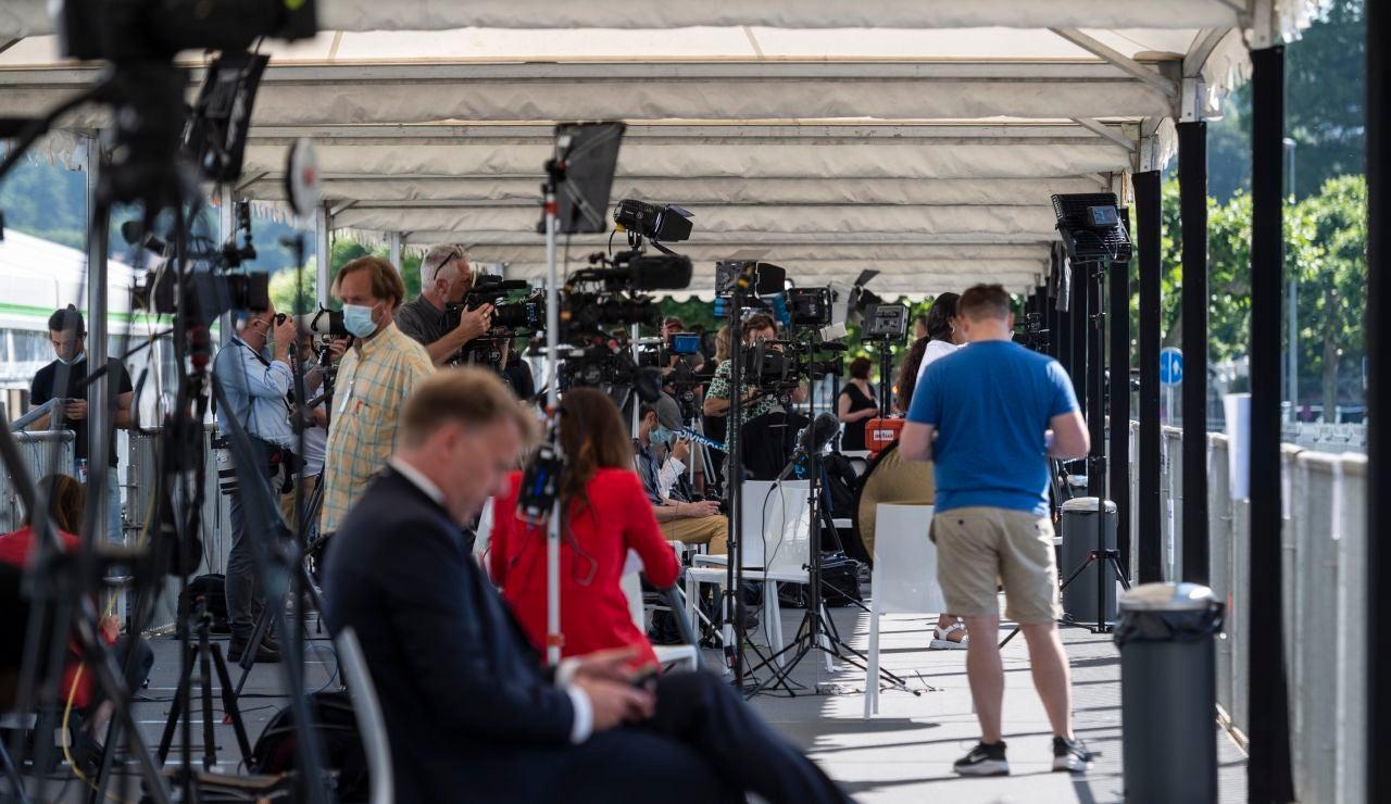 Prensa pendiente de la Cumbre en Ginebra