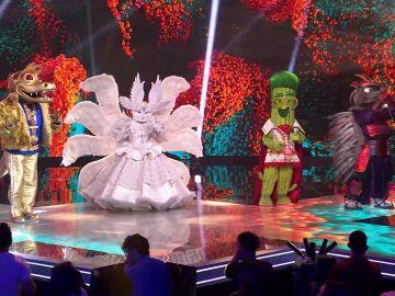 Así comienza una noche mágica en 'Mask Singer', con dos superestrellas desenmascaradas y Ana Obregón como investigadora invitada