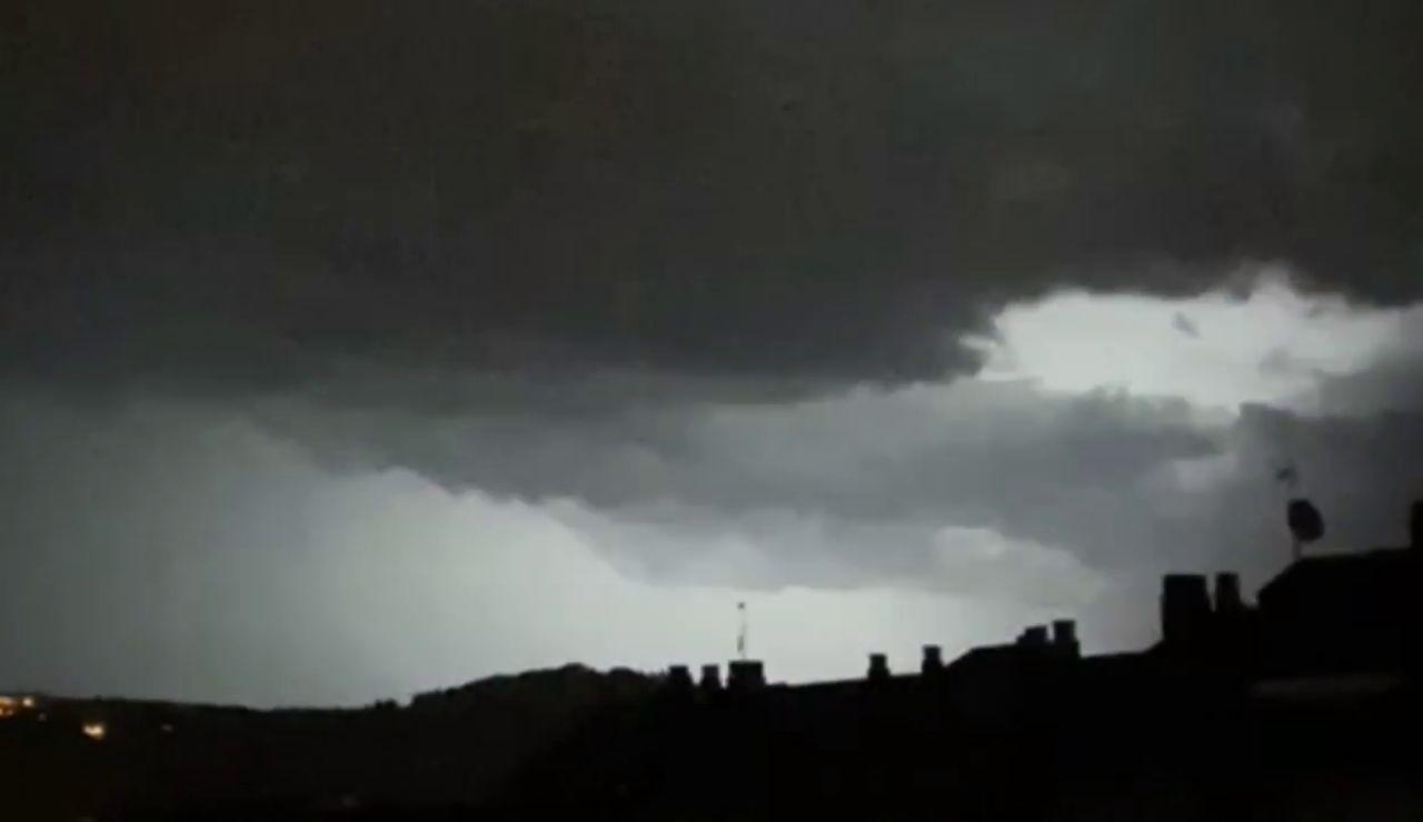 Grandes tormentas eléctricas dejan 1.500 rayos en tres noches en Ourense y Lugo