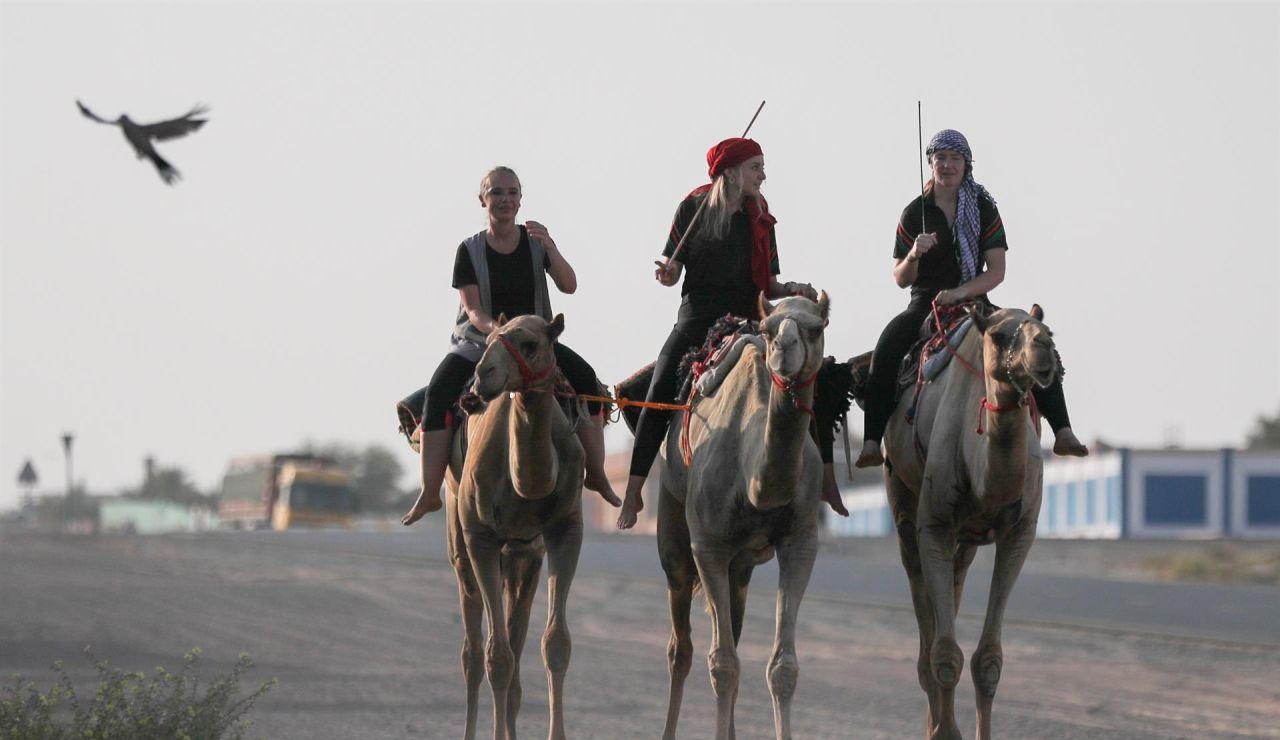 Las mujeres también podrán competir en carreras de camellos en Emiratos por primera vez