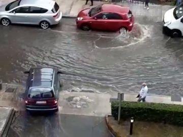 Media España en alerta por fuertes lluvias