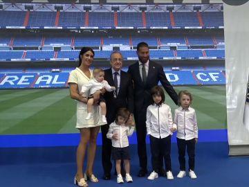 Sergio Ramos posa con su familia
