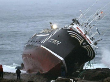 Imagen archivo barco hundido