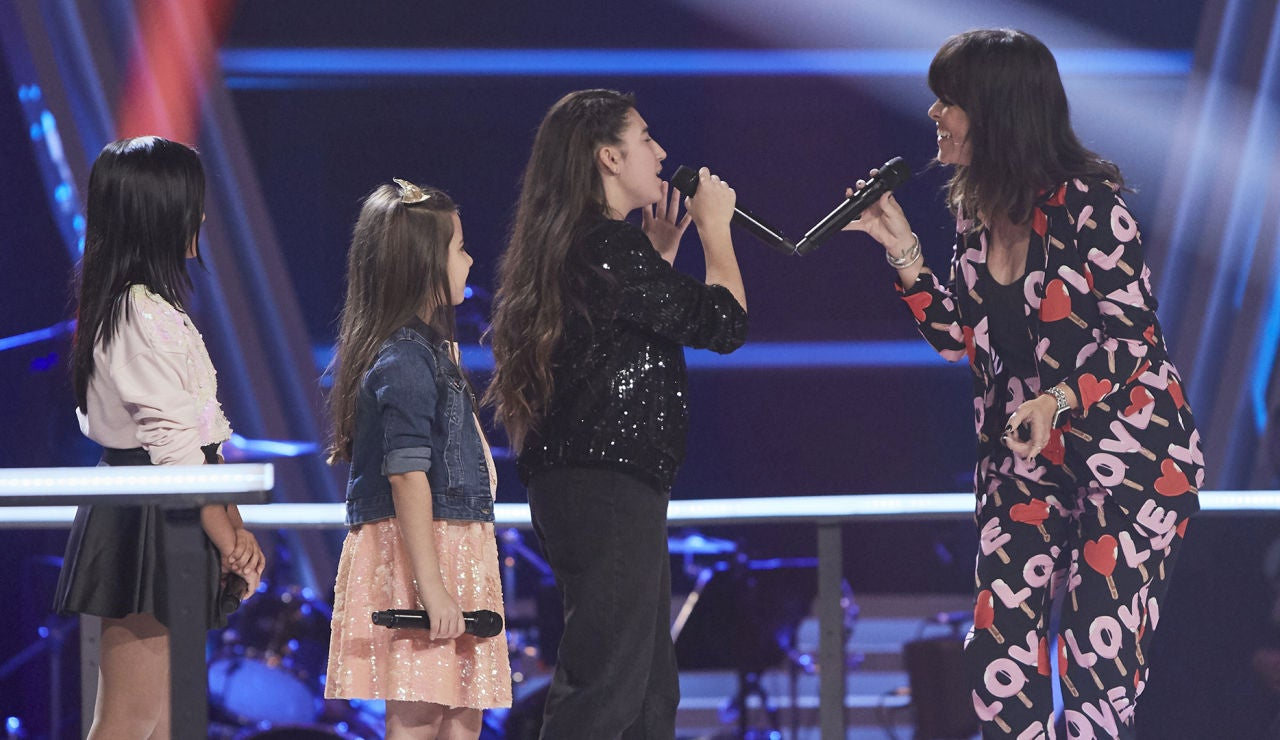 Vanesa Martín canta 'Arráncame' con Samantha, Nazaret y Lola en las Batallas de 'La Voz Kids'