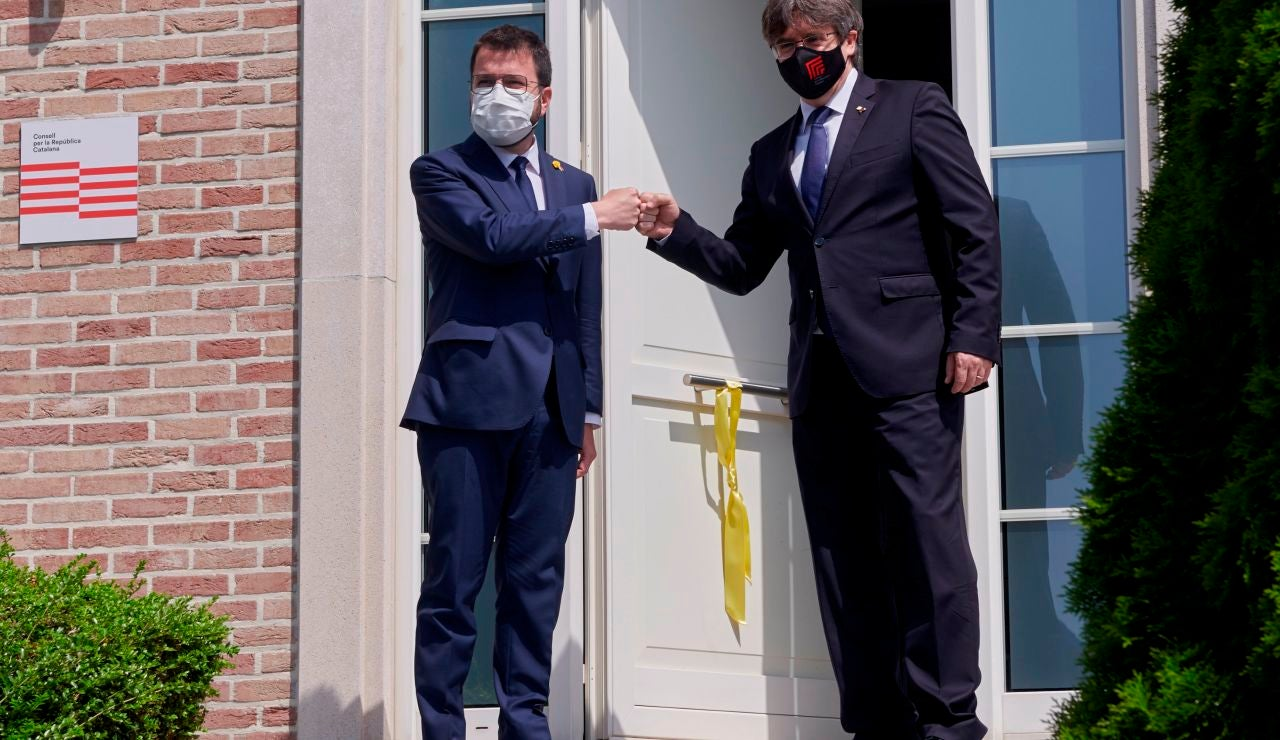 Pere Aragonès y Carles Puigdemont durante su primer encuentro