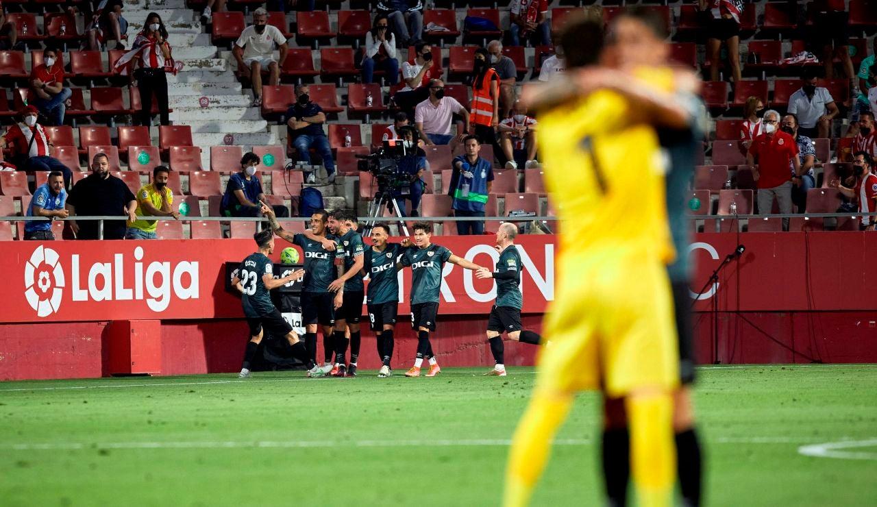 El Rayo Vallecano remonta la eliminatoria al Girona y asciende a la Liga Santander dos años después