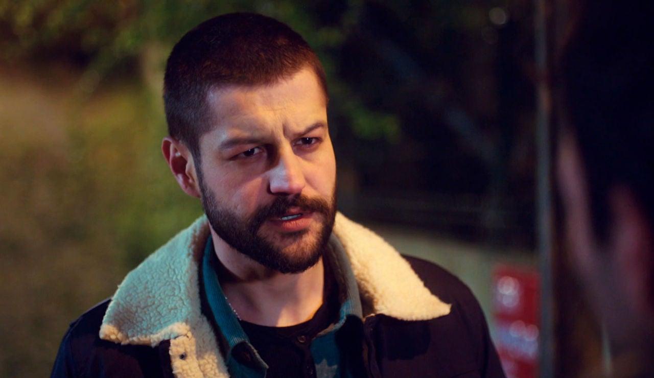 Cemal delata a Ugur ante Demir: así fue la trágica noche que lo cambió todo para los tres amigos