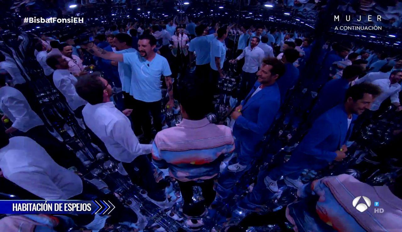 Marron mete a David Bisbal y Luis Fonsi en una habitación de espejos... ¡con efectos increíbles!