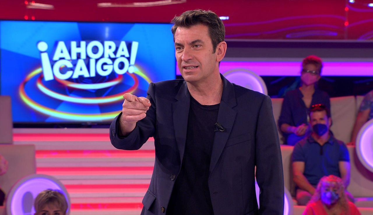 Arturo Valls, ansioso por tirar a un concursante de '¡Ahora caigo!'… ¡tras saber a qué se dedica!