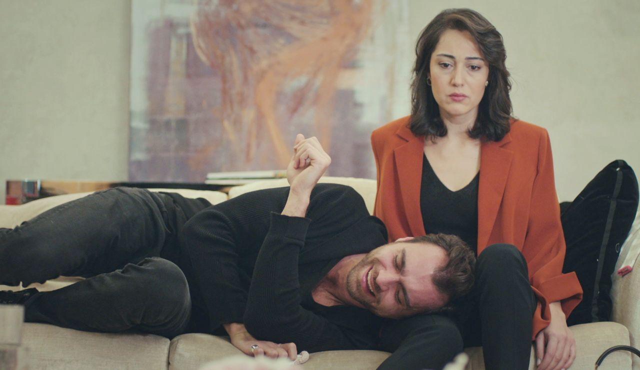 Cem se rinde ante Kismet y le implora su amor: ¿será correspondido?