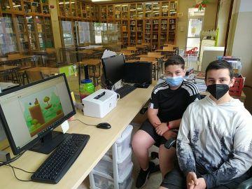 Dos jóvenes de Lugo crean un 'Mario Bros' que esquiva al coronavirus