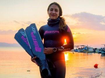 Isabel Sánchez-Arán rompe los registros de la apnea estática en España
