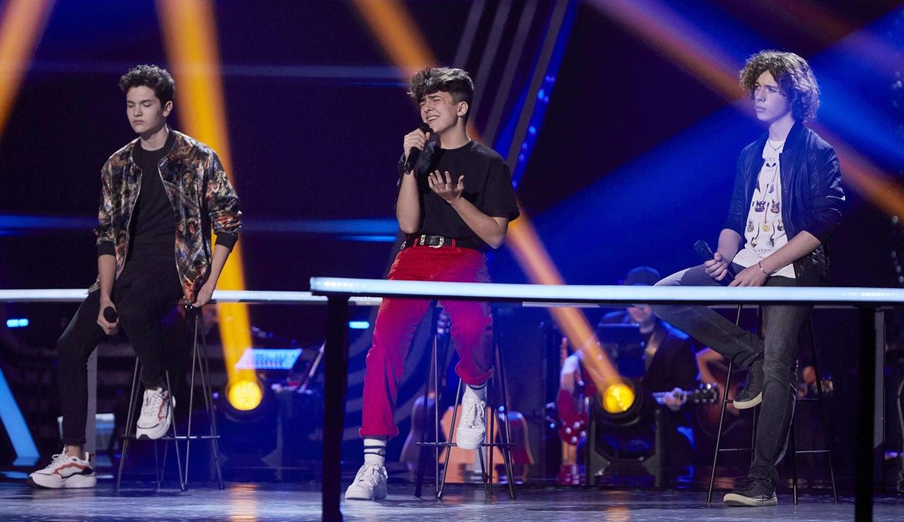 Javier, Adrián y David cantan 'Give me love' en las Batallas de 'La Voz Kids'