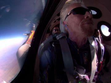 """""""Ha sido mágico"""": así define Richard Branson su primer viaje al espacio con Virgin Galactic"""