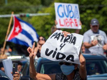 Cuba permite que los viajeros que entren al país lleven alimentos y medicamentos