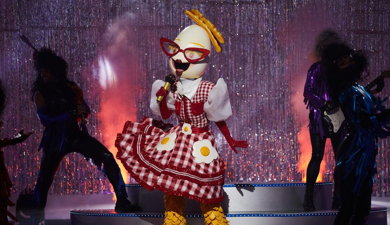 El Huevo saca su lado más tierno con 'Nunca volverá' en 'Mask Singer'