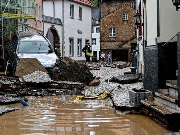 Decenas de desaparecidos en Alemania por los derrumbes y las inundaciones tras días de tormenta.