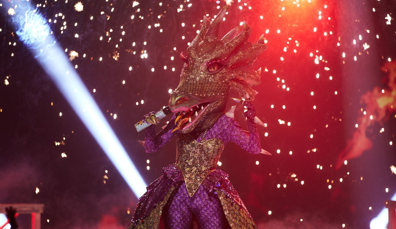 La Dragona desata la locura con el tema 'Tu foto del DNI' en 'Mask Singer'