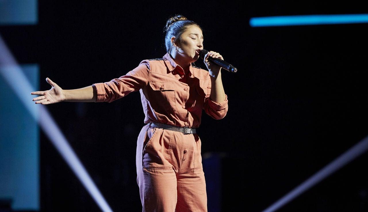 Lola Avilés canta 'Te espero aquí' en la Semifinal de 'La Voz Kids'