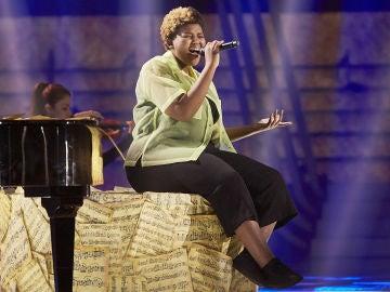 Inés Thandi canta 'Make you feel my love' en la Semifinal de 'La Voz Kids'