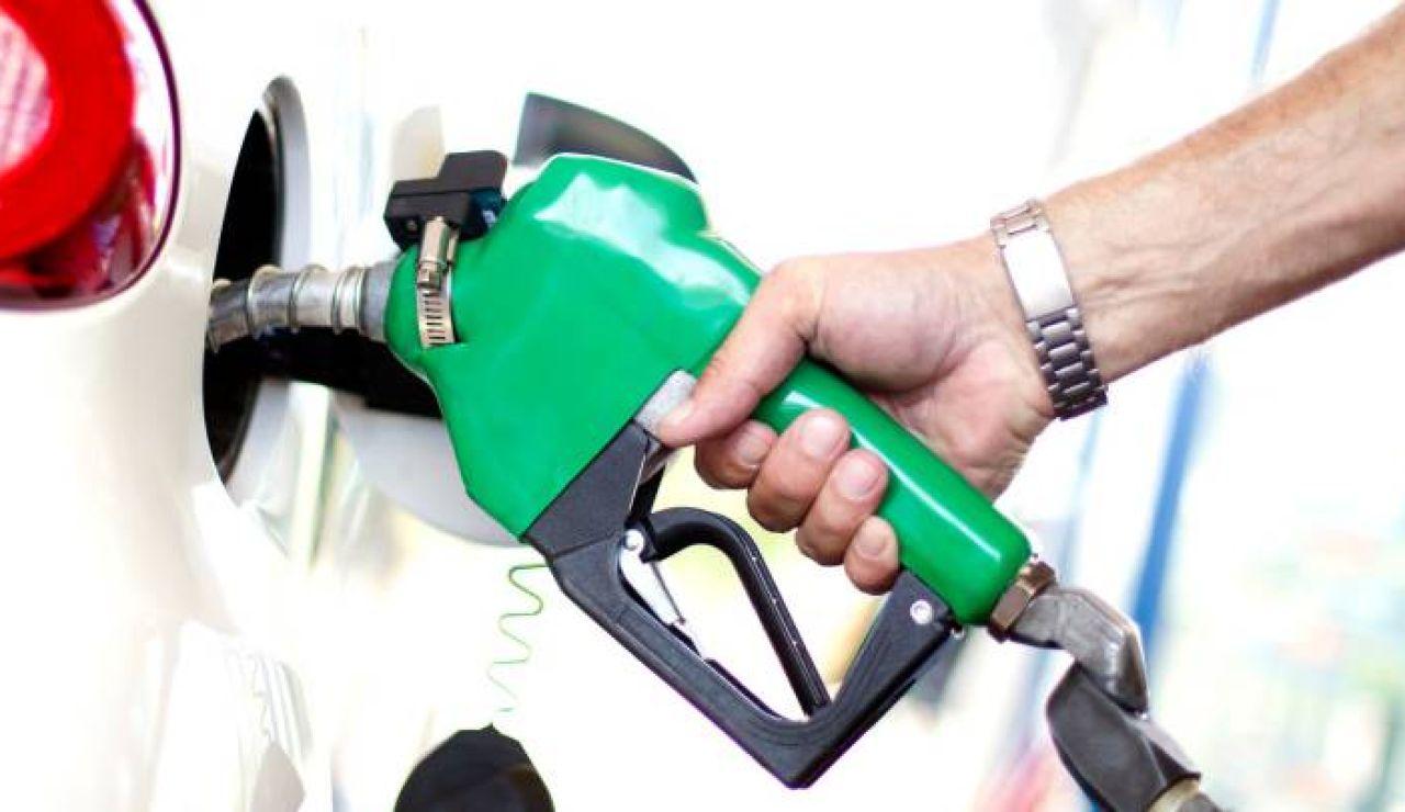 El precio de la gasolina y el diésel no era tan caro desde 2013