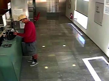 Detienen a un atracador en Barcelona que habría asaltado hasta 5 bancos en un mes