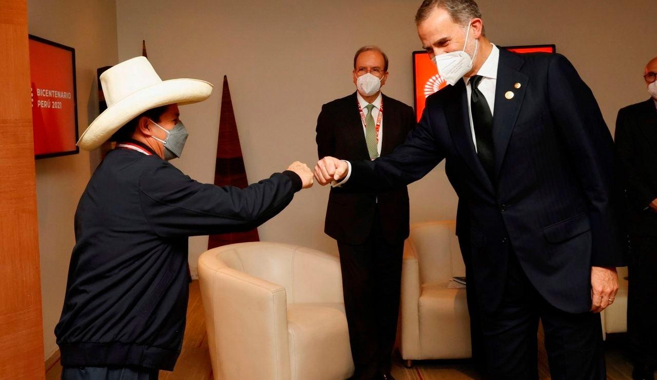 El rey Felipe VI en su encuentro con Pedro Castillo, durante la visita a Perú