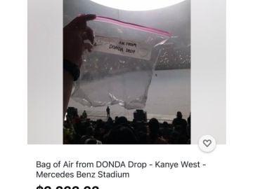 Subastan una bolsa de plástico con aire del concierto de Kanye West