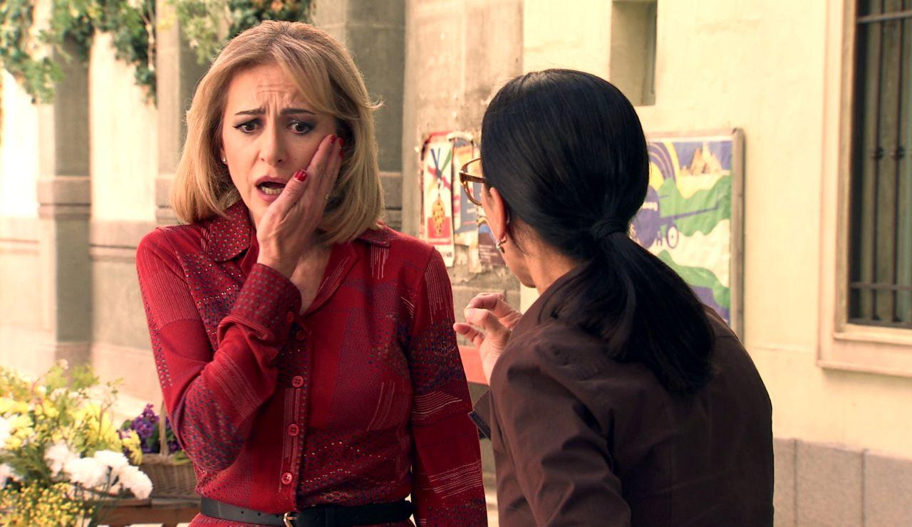 """Manolita hace frente a Ángela y sus perversas manipulaciones: """"¿Cómo has podido ser cómplice del monstruo del coronel?"""""""