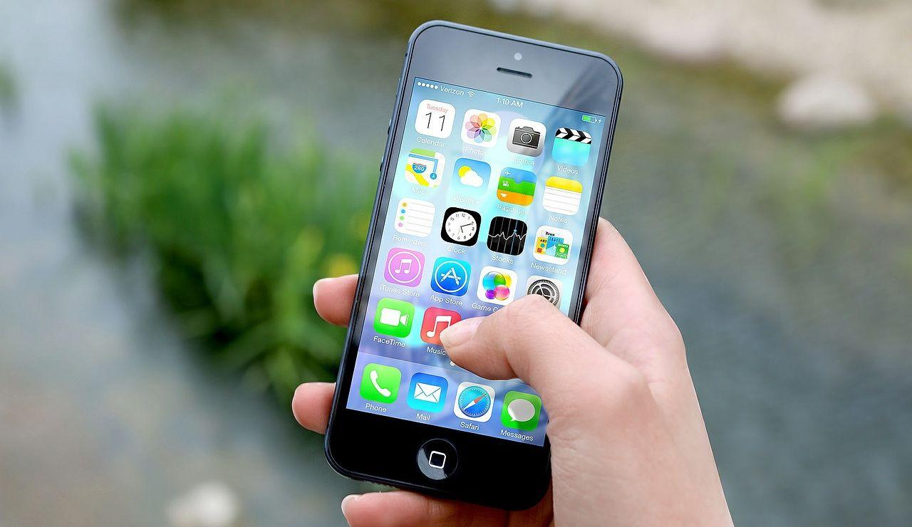 Móvil Iphone con aplicaciones