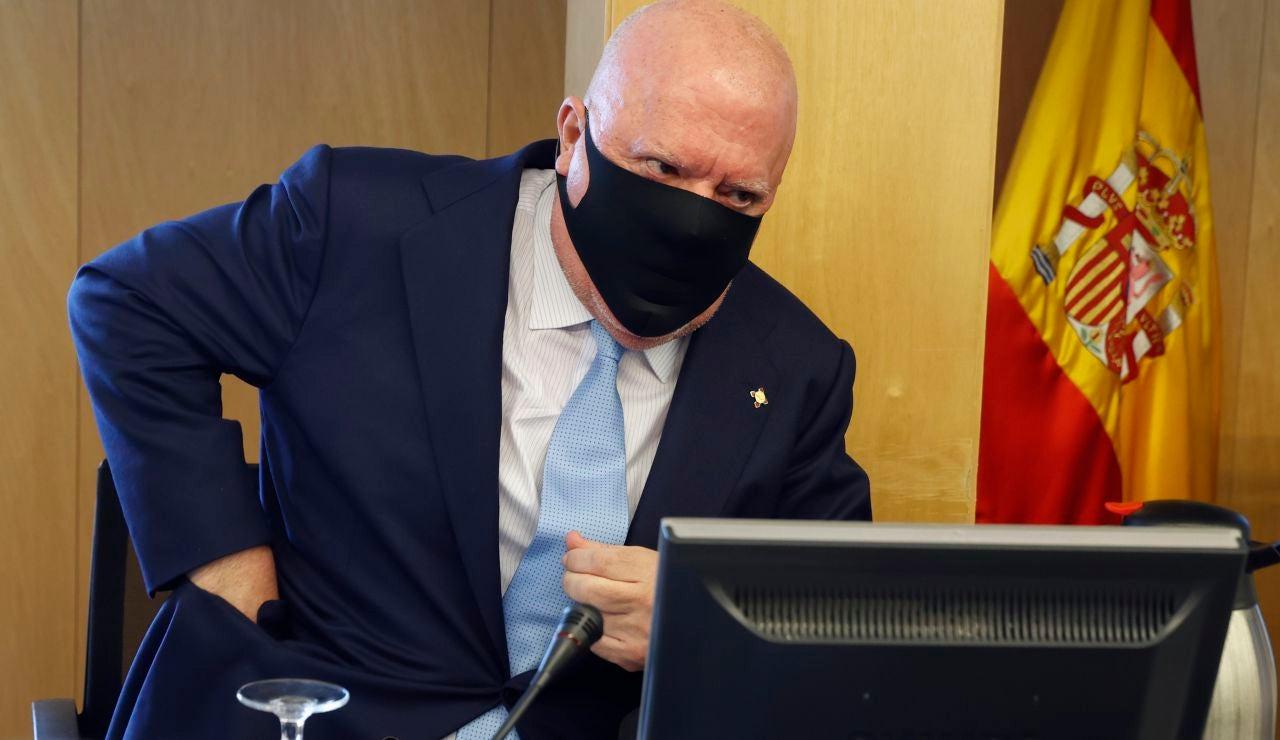 El juez archiva la causa contra Repsol, CaixaBank y sus respectivos presidentes en el caso Villarejo
