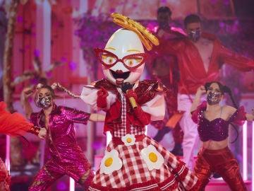 Huevo demuestra su poderío con 'Tusa' en la Gran Final de 'Mask Singer'