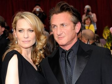 Robin Wright y Sean Penn en 2009