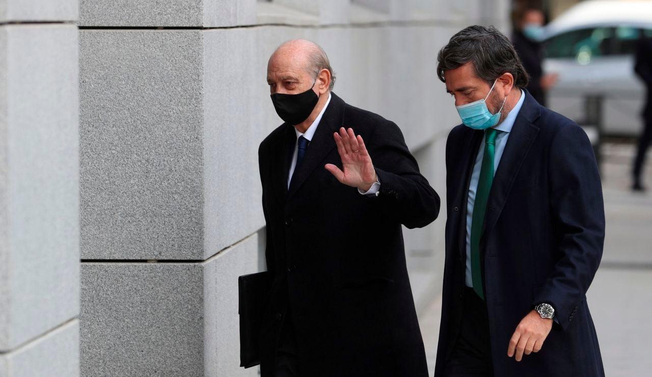 Procesado el exministro Jorge Fernández Díaz y archivada la causa contra Dolores de Cospedal en la 'operación Kitchen'