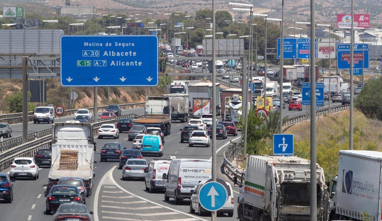 La Fiscalía solicita a los ciudadanos que denuncie las conductas temerarias que detecte en la carretera