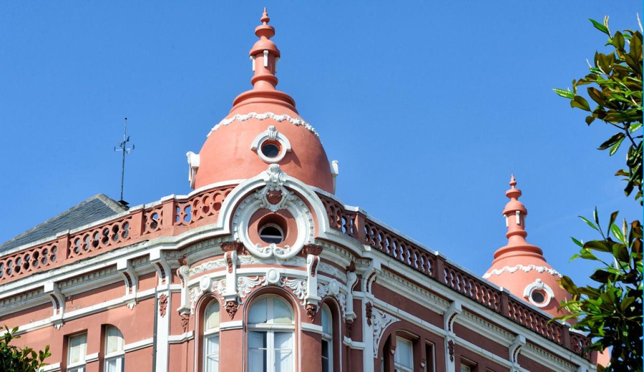 El pleno de Ribadeo (Lugo) retira por unanimidad el título de alcalde honorífico a Franco