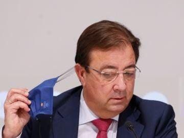 Guillermo Fernández Vara propone en la Conferencia de Presidentes la mascarilla obligatoria durante todos los inviernos