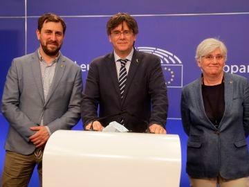 Toni Comín, Carles Puigdemont y Clara Ponsatí