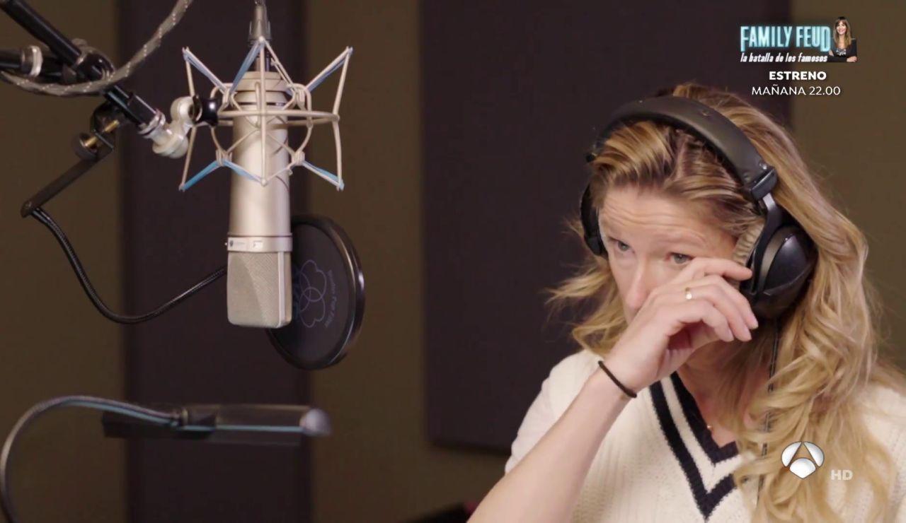 Anne Igartiburu se rompe en el estudio con 'La niña que llora en tus fiestas'