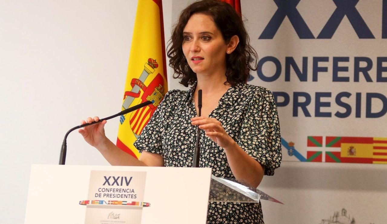 La presidenta de la Comunidad de Madrid, Isabel Díaz Ayuso, comparece al término de la reunión de trabajo de la XXIV Conferencia de Presidentes, el máximo órgano político de coordinación multilateral, celebrada este viernes en el Convento de San Esteban, en Salamanca