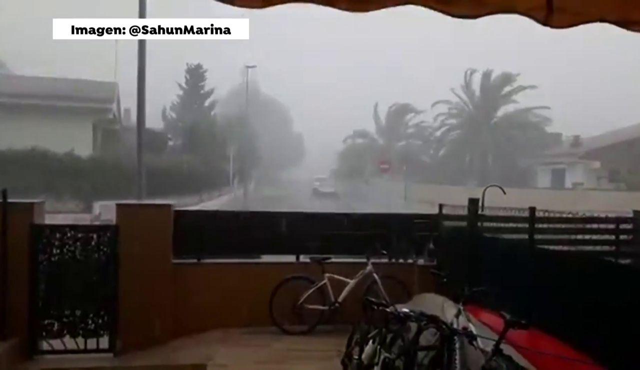 Los rayos caídos durante las tormentas en Cataluña ocasionan cuatro pequeños incendios forestales